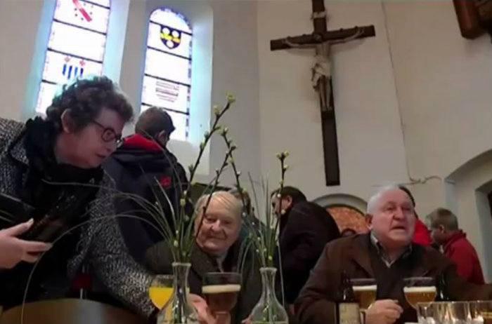 Pivnica i crkva u jednom: Ovaj pop želi da su 'mještani sretni'