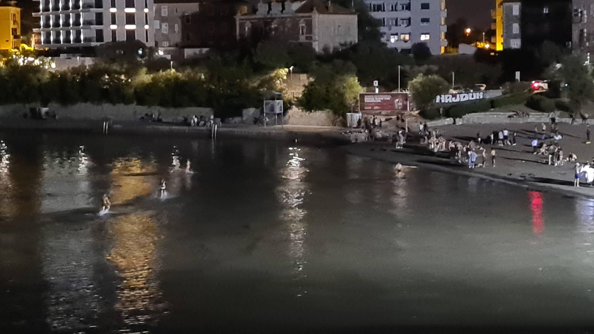 Turisti na Zrću 'poljubili vrata', u Splitu preselili na Bačvice