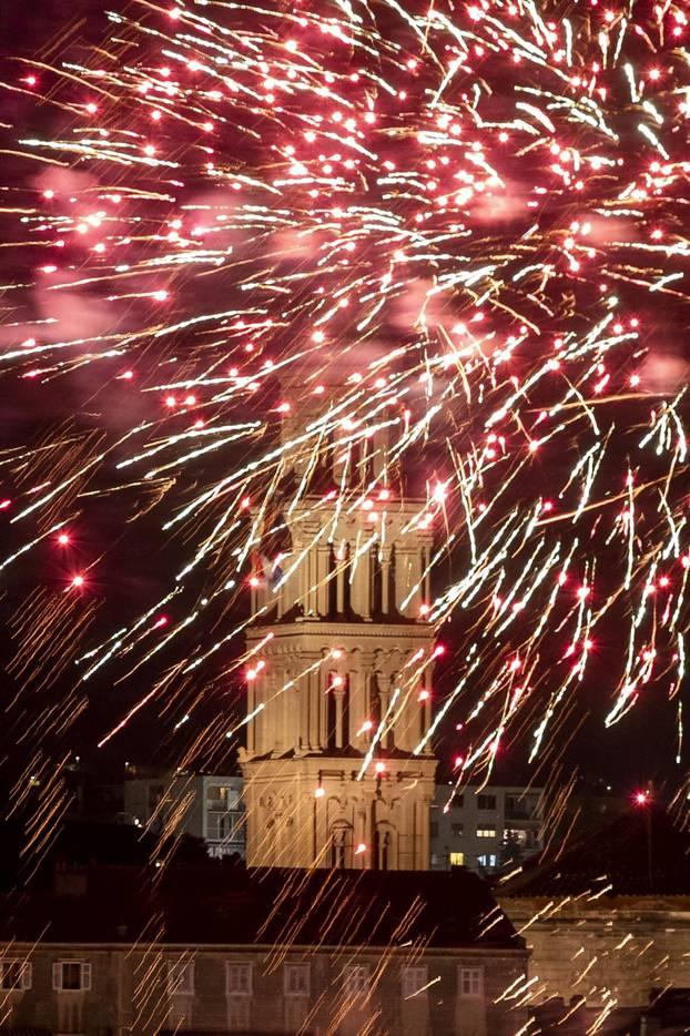 Split: Vatromet povodom obilježavanja blagdana svetog Dujma