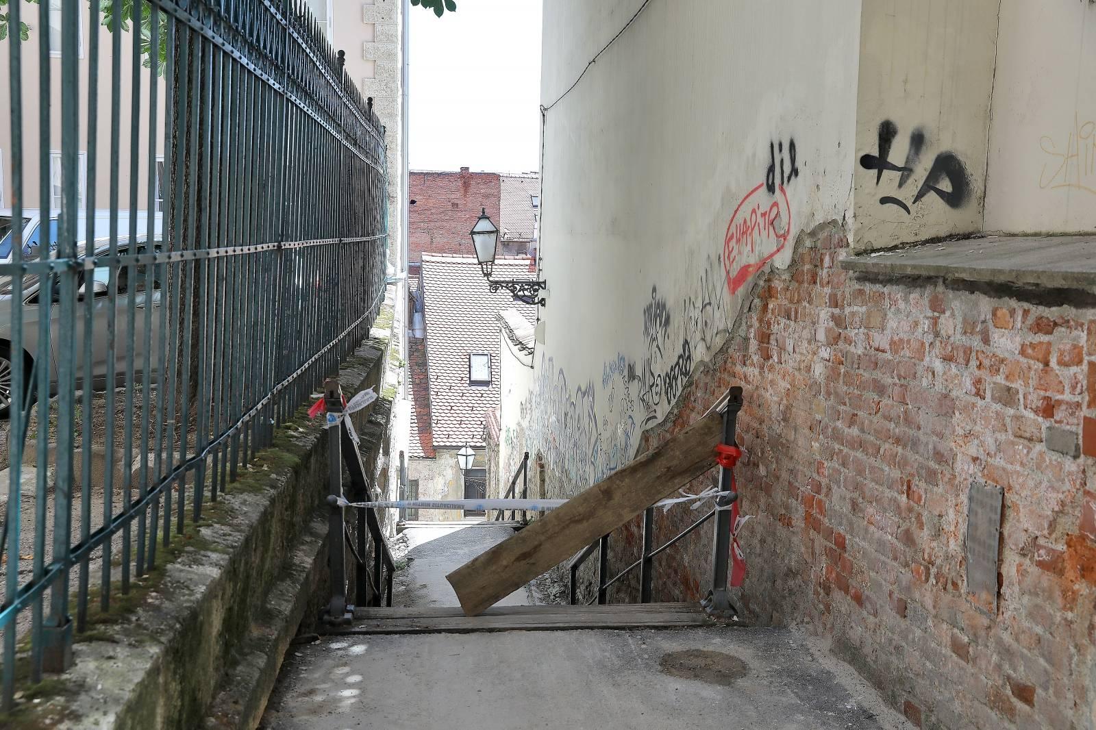 Zagreb: Male stube očišćene nakon objave u medijima kako su zakrčene od ruševina nakon potresa