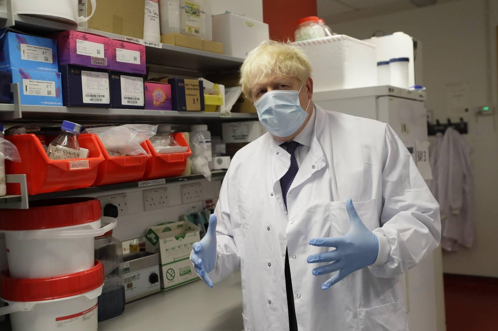Boris Johnson visits Jenner Institute