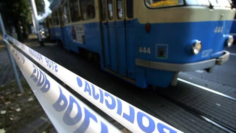Radnika ZET-a prikliještio tramvaj u garaži na Remizi