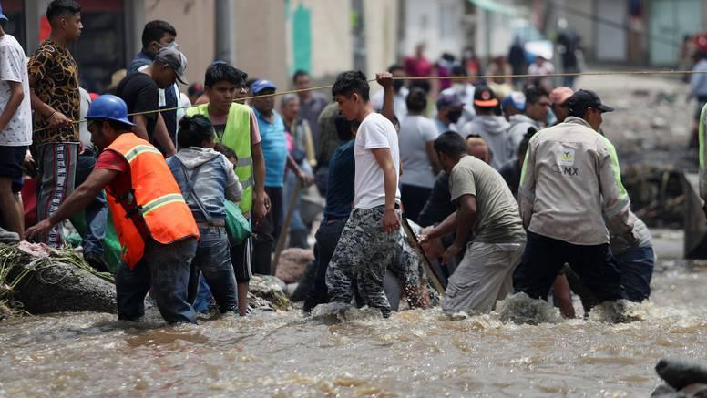 Katastrofa u Meksiku: Poplava pogodila bolnicu, poginulo 16 ljudi, nisu mogli primati kisik