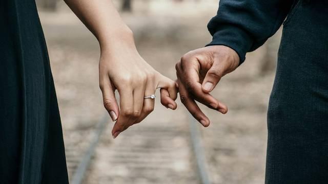 Što je zapravo ljubav? Deset je osjećaja koja nam ona stvara...