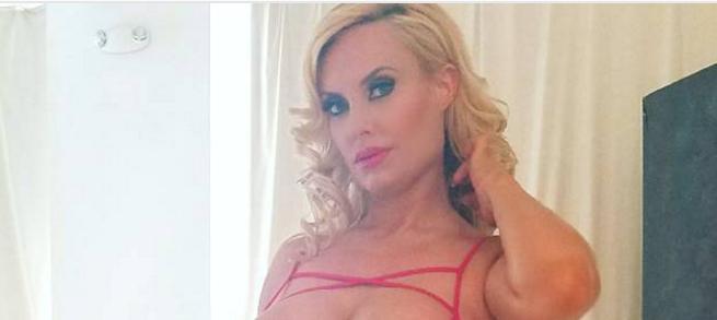 Preseksi za Instagram: Coco T pozirala u preprozirnom bodiju