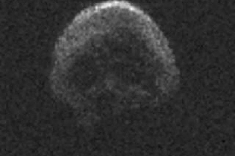 Iza Noći vještica kraj Zemlje će proći asteroid u obliku lubanje!