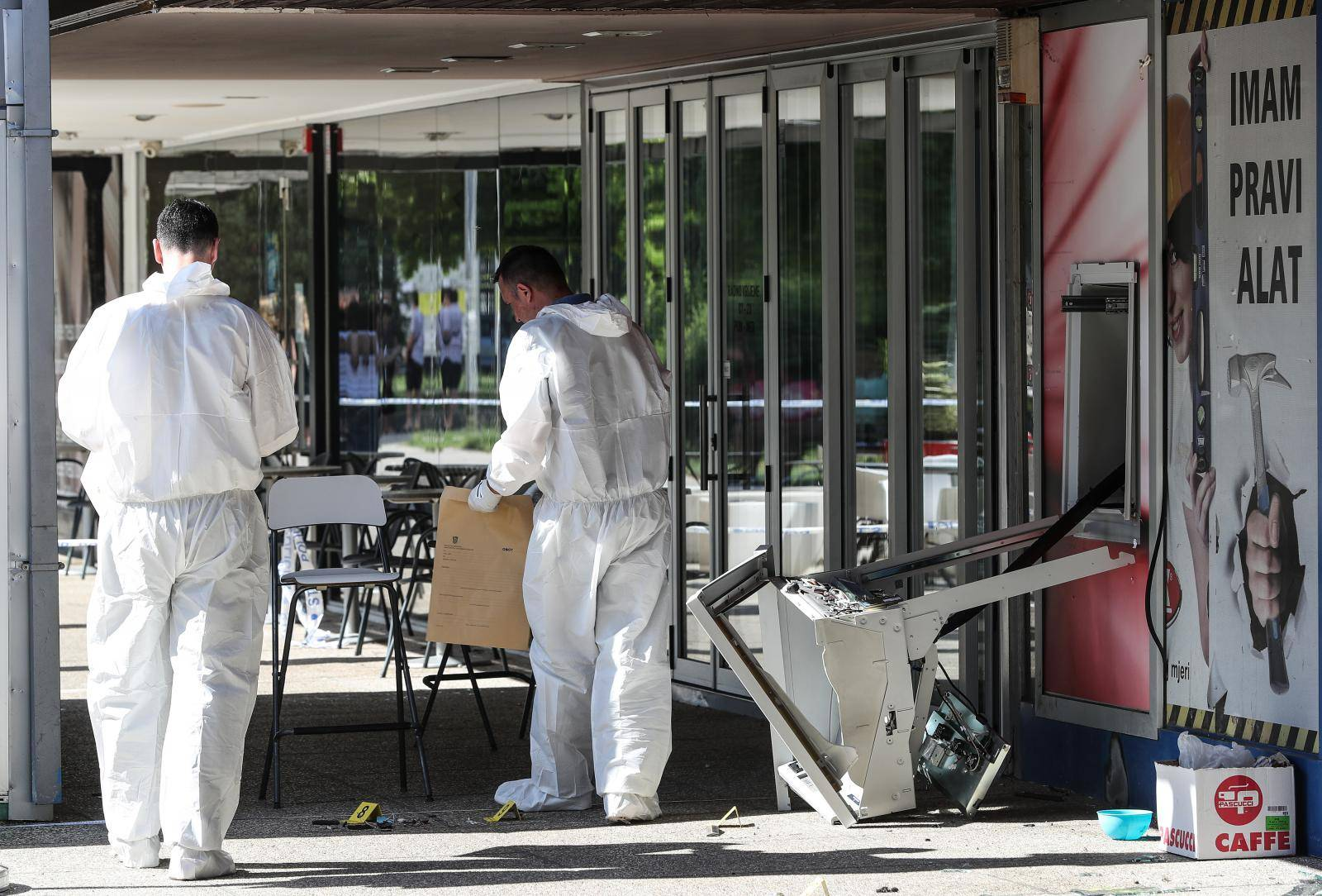 Zagreb: U Trnskom raznesen bankomat, policija obavlja očevid