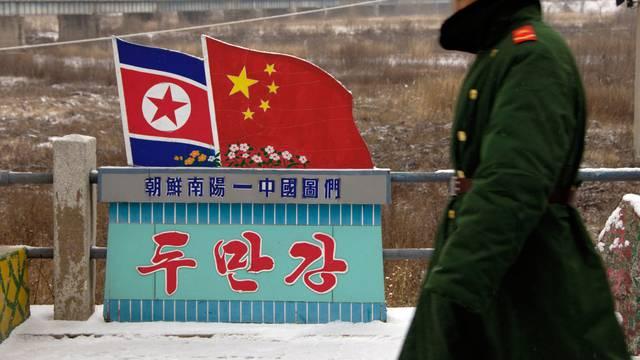 China DPRK border 28 Nov 2006