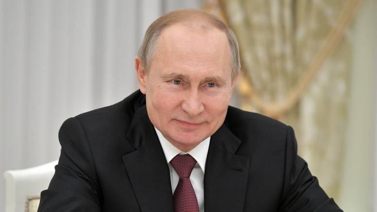 Rusi na biralištima: Putinovi protivnici su optimistični