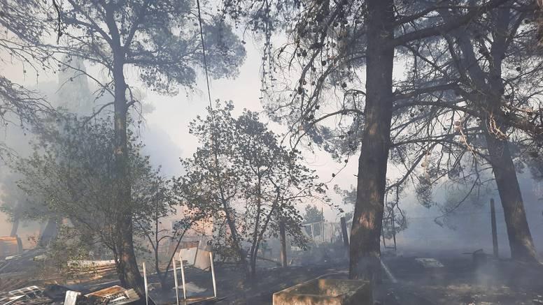 Vatrogasci lokalizirali požar na Ugljanu, nema ozlijeđenih