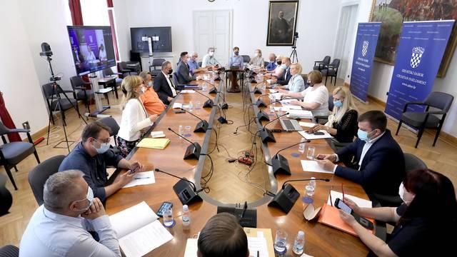 Odbor razriješio Bačića s mjesta ravnatelja HRT-a: 'Katastrofa je da ga Kunić mijenja ijedan sat'