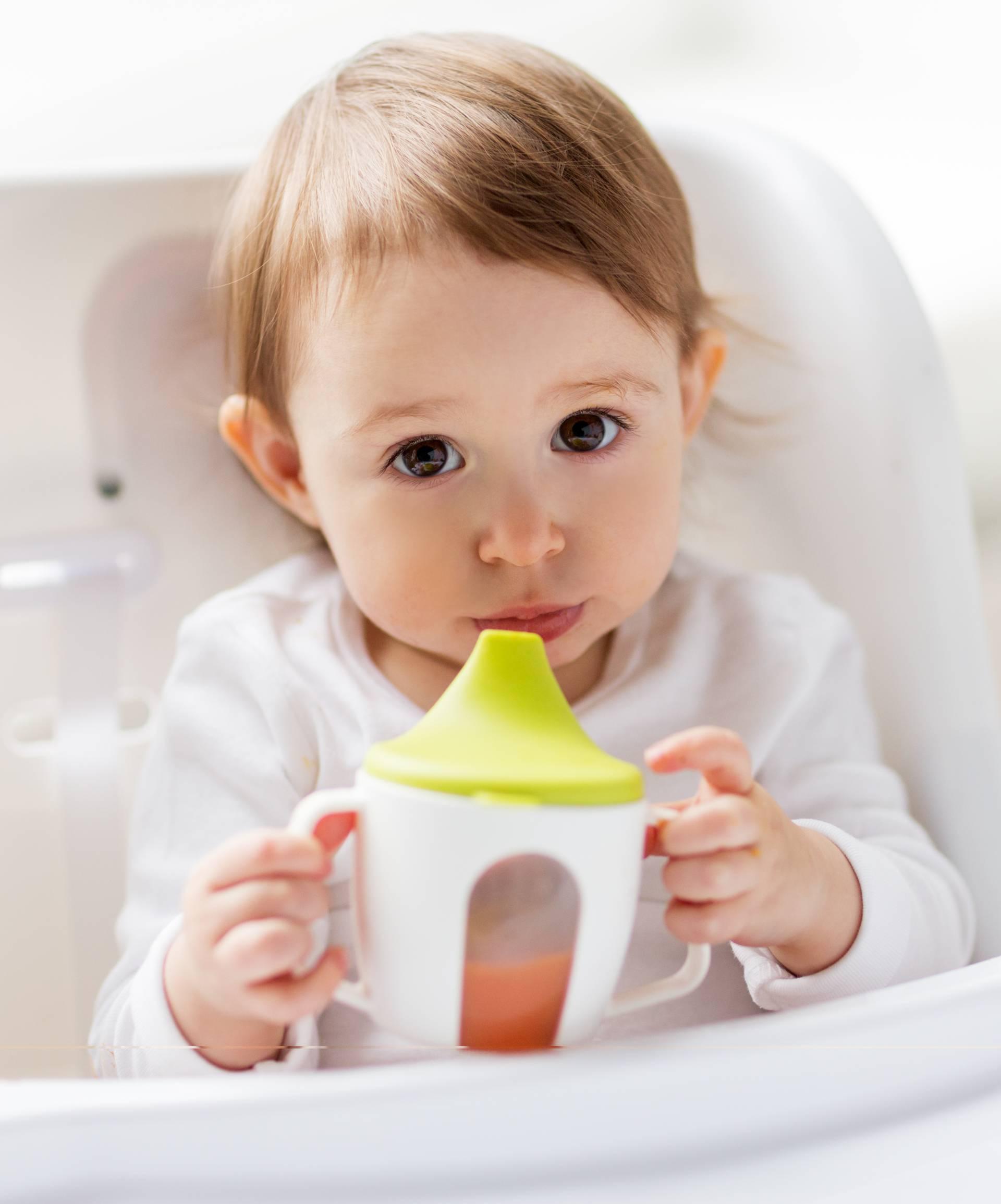 Pedijatri upozoravaju: Djeci do 1. godine ne nudite voćni sok