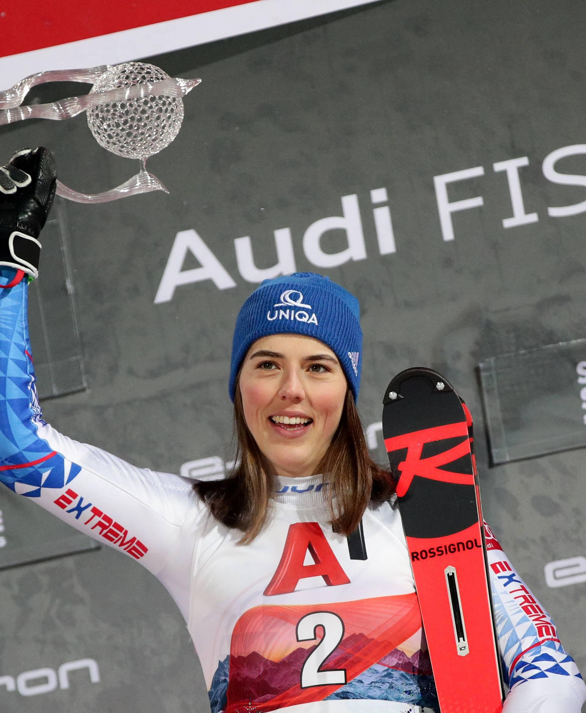 Šveđanka je pala pred ciljem, Petra Vlhova osvojila Sloveniju