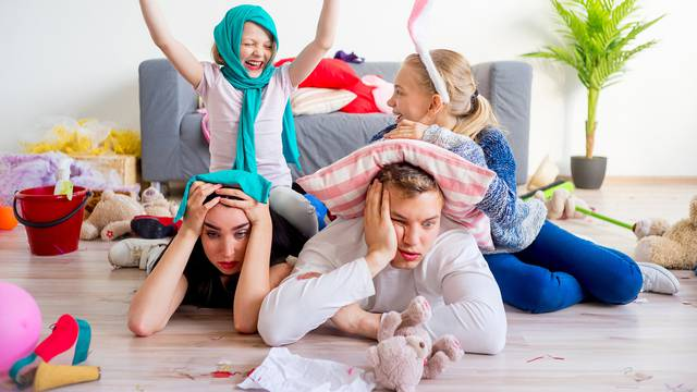 Roditeljstvo se mijenja kako djeca odrastaju: Što su starija, smanjuje se roditeljska kontrola