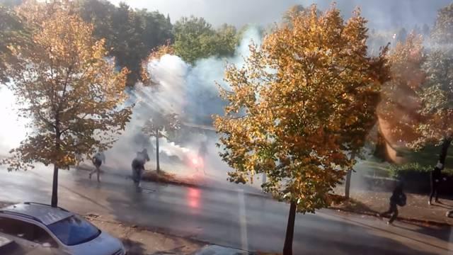 Žestok okršaj navijača Veleža i Zrinjskog na ulicama Mostara