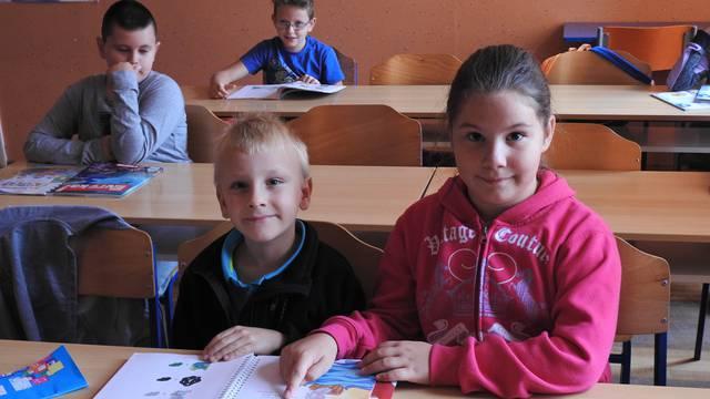 U Zagrebu je gužva u školama, kod Bjelovara klupe poluprazne