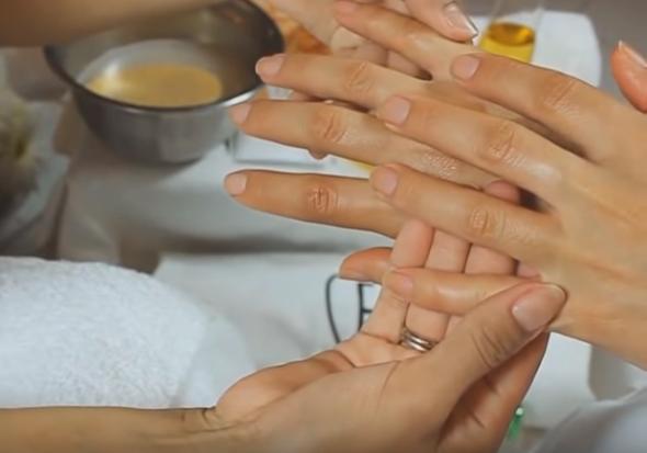Ruke su vam užasne od silnog pranja? Ova maska ih spašava