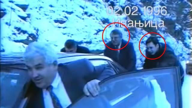 Video za antologiju: Šešelj i Vučić guraju auto po snijegu