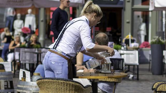 Odluka stiže sutra: Podržavate li zatvaranje kafića i restorana?