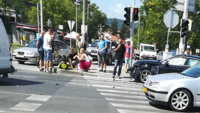Sudarili se auto i motociklist hitne: 'Žurio je na intervenciju'