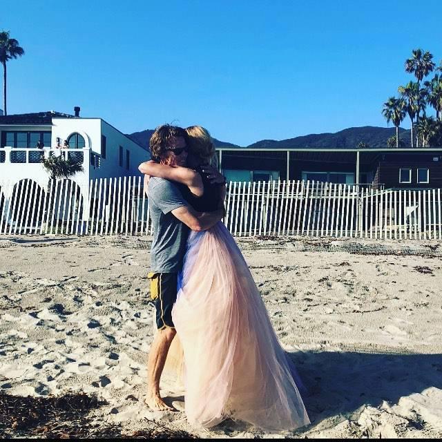 Opovrgnula glasine o razvodu: Julia Roberts u zagrljaju muža