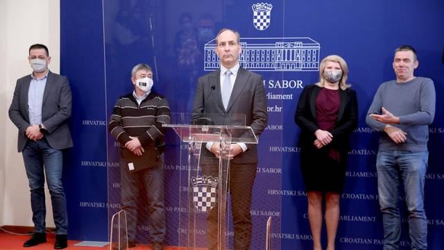 Zagreb: Klub zastupnika Domovinskog pokreta o temi: Cijepljenje protiv COVID-a i o stanju na Banovini