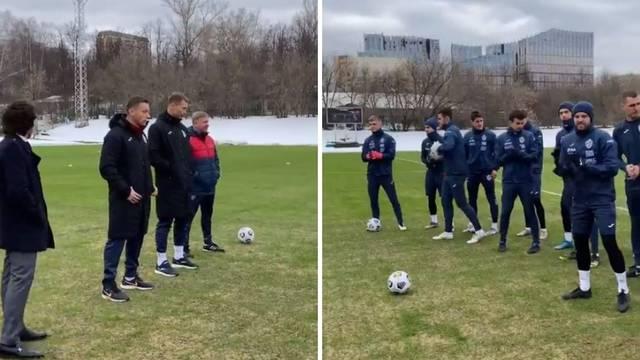 Olić se predstavio igračima: Ja sam vaš novi trener, Ivica Olić...