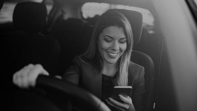 Mladi vozači pozor: 7 zlatnih pravila za sigurnu vožnju!