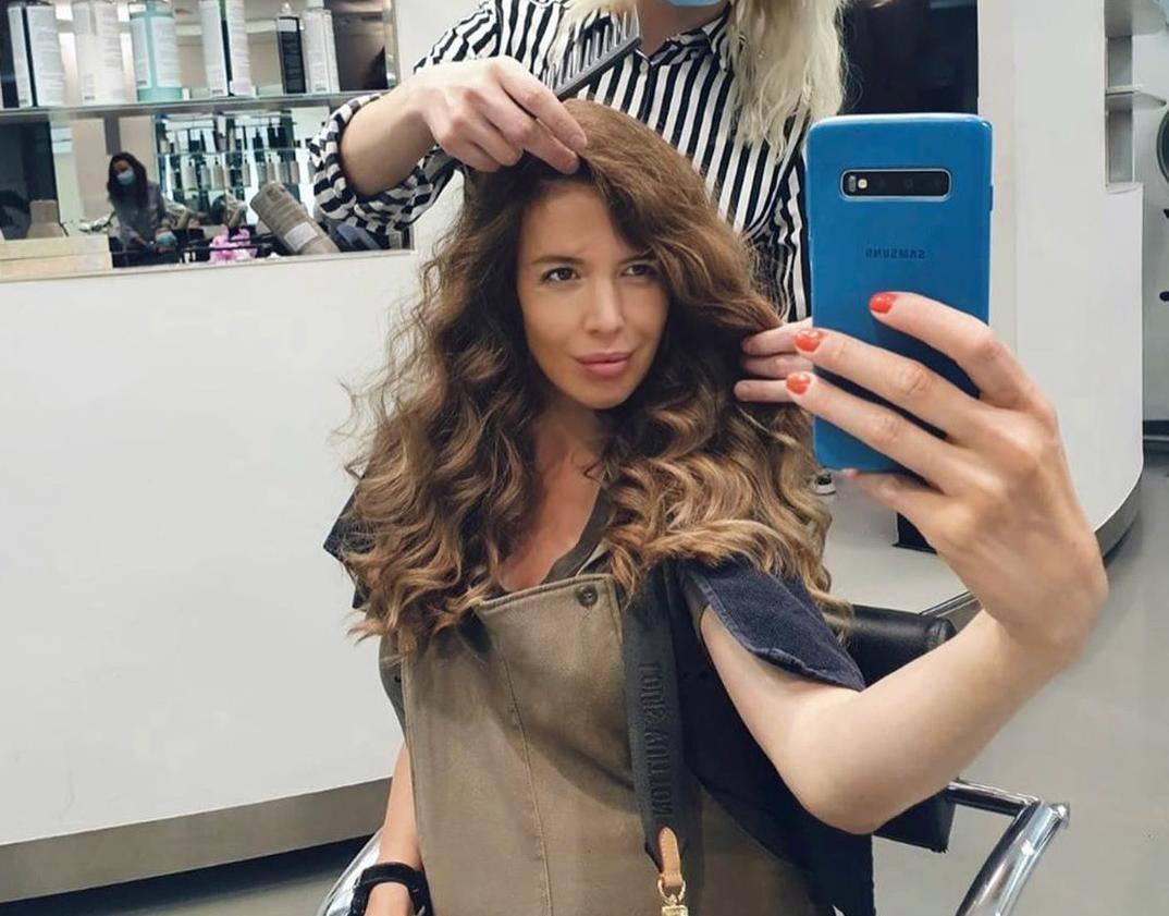 Todorićeva snaha Milica bila na frizuri i pokazala trudnički trbuh