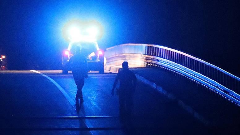 Mladići teško ozlijeđeni, autom izletjeli s ceste, udarili u suhozid