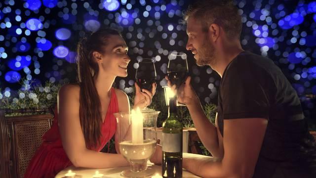 Pravila dobrog flertanja: Budite svoji, ali nervozu treba sakriti