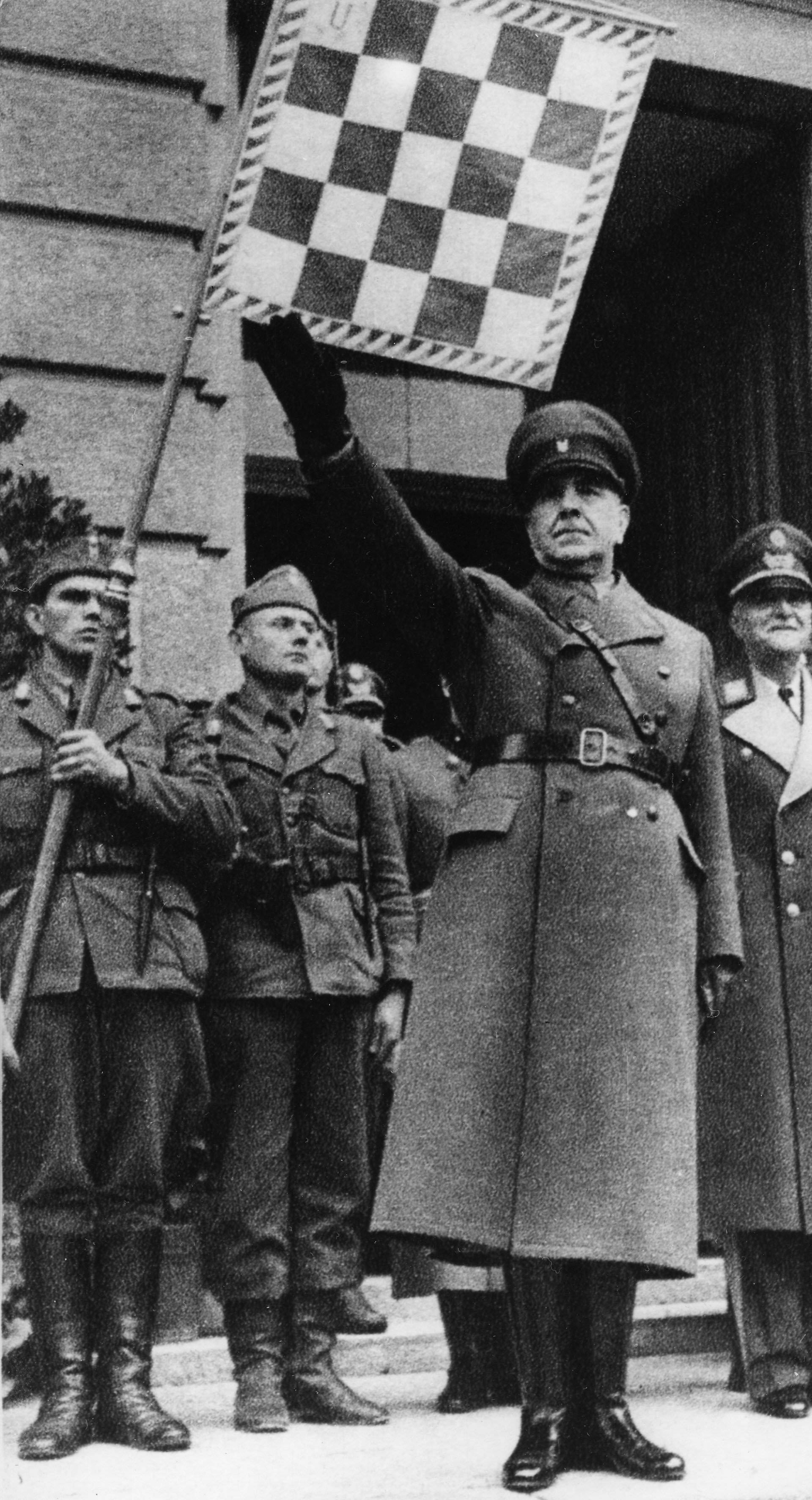 Pavelic, Ante, 14.9.1889 - 28.12.1959, Croatian politician, head of state of Croatia 10.4.1941 - May 1945, during a parade at Ka