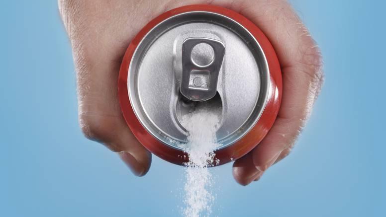 Gazirana pića su genijalan alat u kući - skidaju hrđu, kaugume