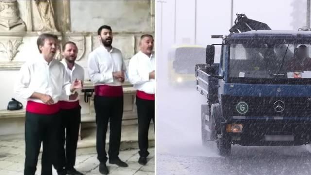 VIDEO Klapa u Trogiru zapjevala po najvećoj kiši, ljudi se sklonili