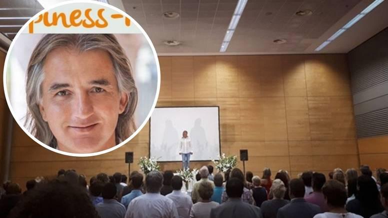 U Beču je zaradio 7000 eura za jedan dan, a samo gleda ljude?!