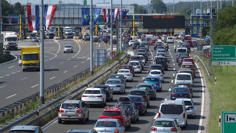 Za vikend na autocestama 42 posto vozila više nego lani