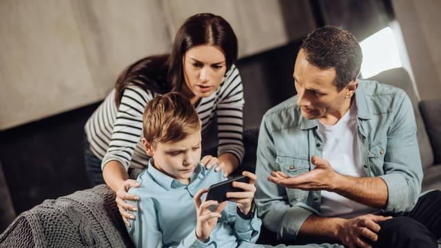 Je li i vaše dijete zarobljeno u virtualnom svijetu? Poslušajte savjete dr. Ranka Rajovića