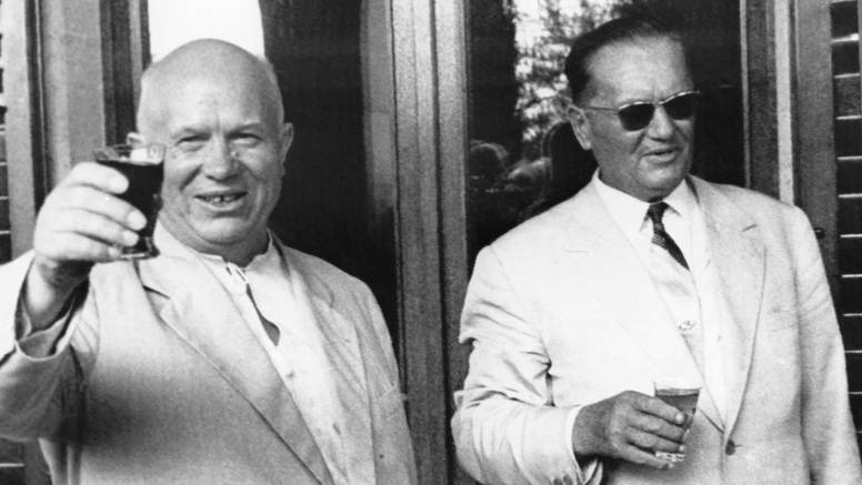On se pomirio s Titom: Staljina je naslijedio, pa ga se odrekao..