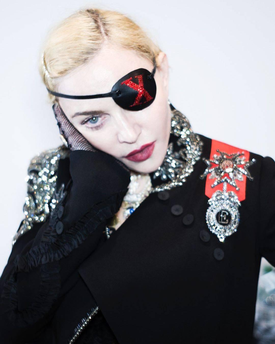 Tupacovo pismo Madonni je na aukciji: Prva cijena 655.000 kn
