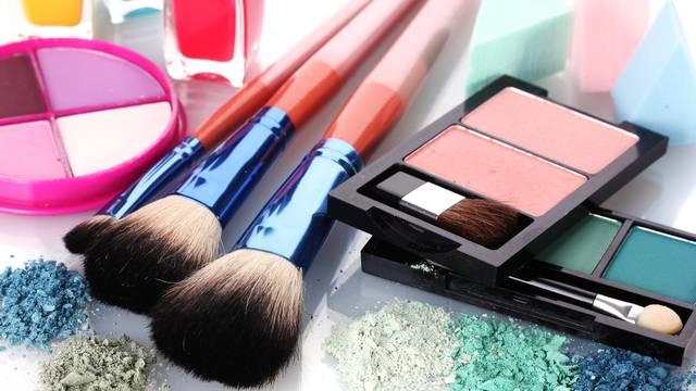 Trikovi za make-up: Baze za savršen ten i fiksatori šminke
