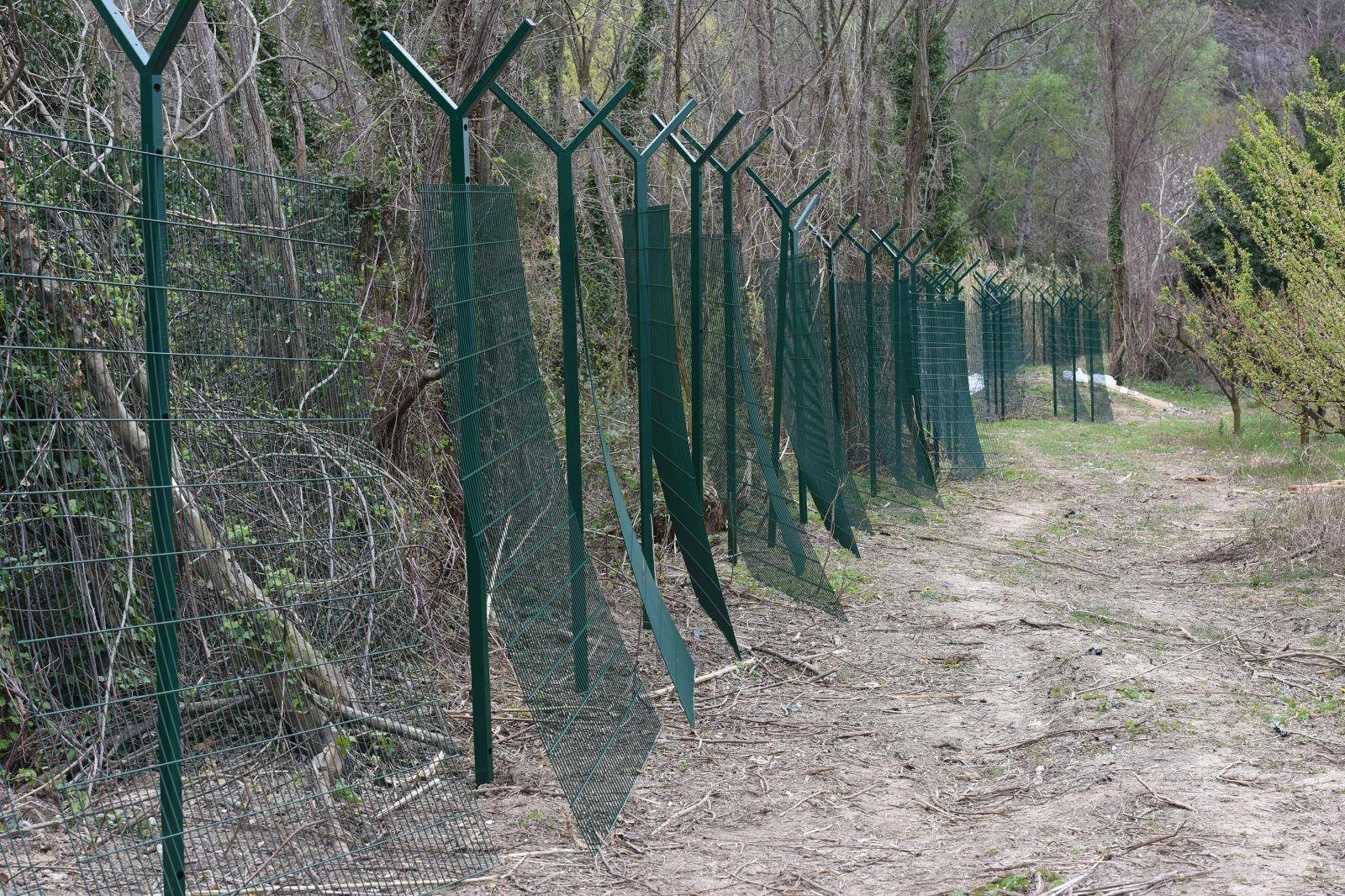 Slovenija je počela postavljati nove ograde uz granicu s RH