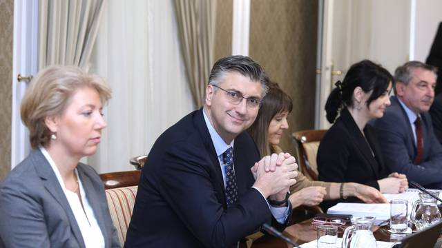 Zagreb: Na sjednici VLade RH tema je i nagodba države s vatrogascem Franom Lučićem