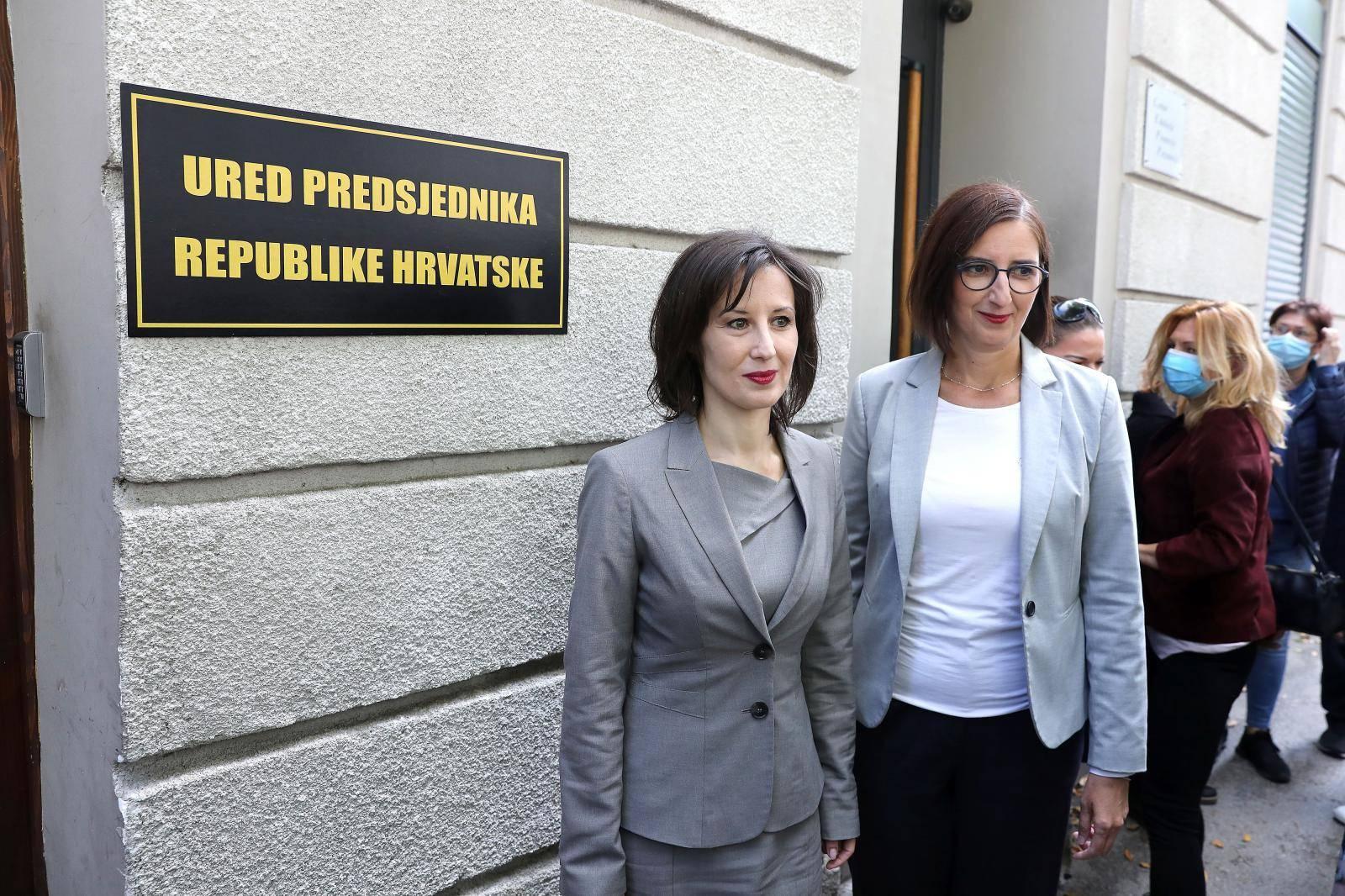 """Orešković i Puljak postavile ploču Ureda predsjednika na prostor """"Kluba Dragana Kovačevića"""""""