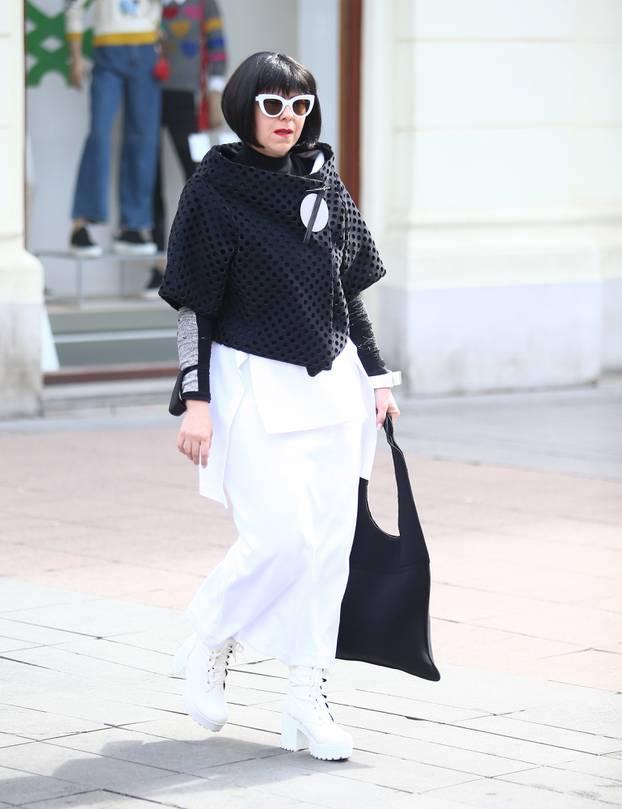 Zagreb: Mirela Holy u šetnji gradom