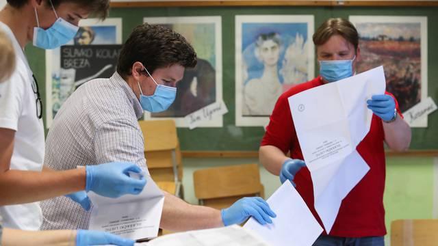 Zatvorena biračka mjesta u Hrvatskoj, počelo prebrojavanje glasova