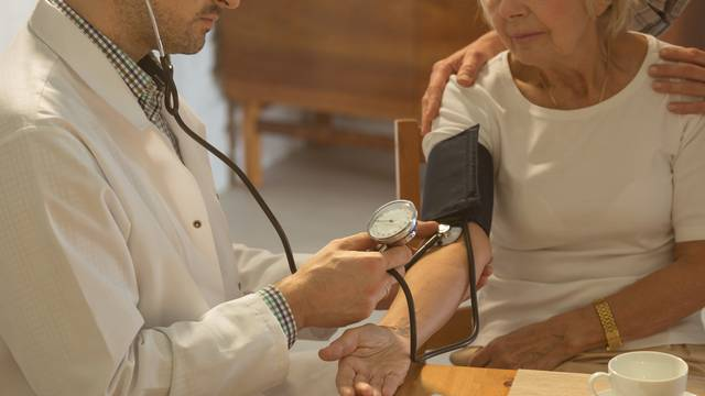 Older woman and hypertension