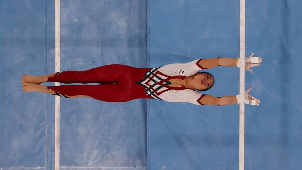 Gymnastics - Artistic - Women's Uneven Bars - Qualification