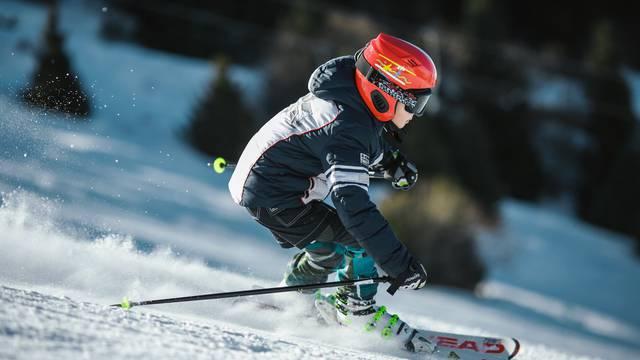 Provjerite zašto ne vrijedi čekati do posljednjeg trenutka za kupnju skija!