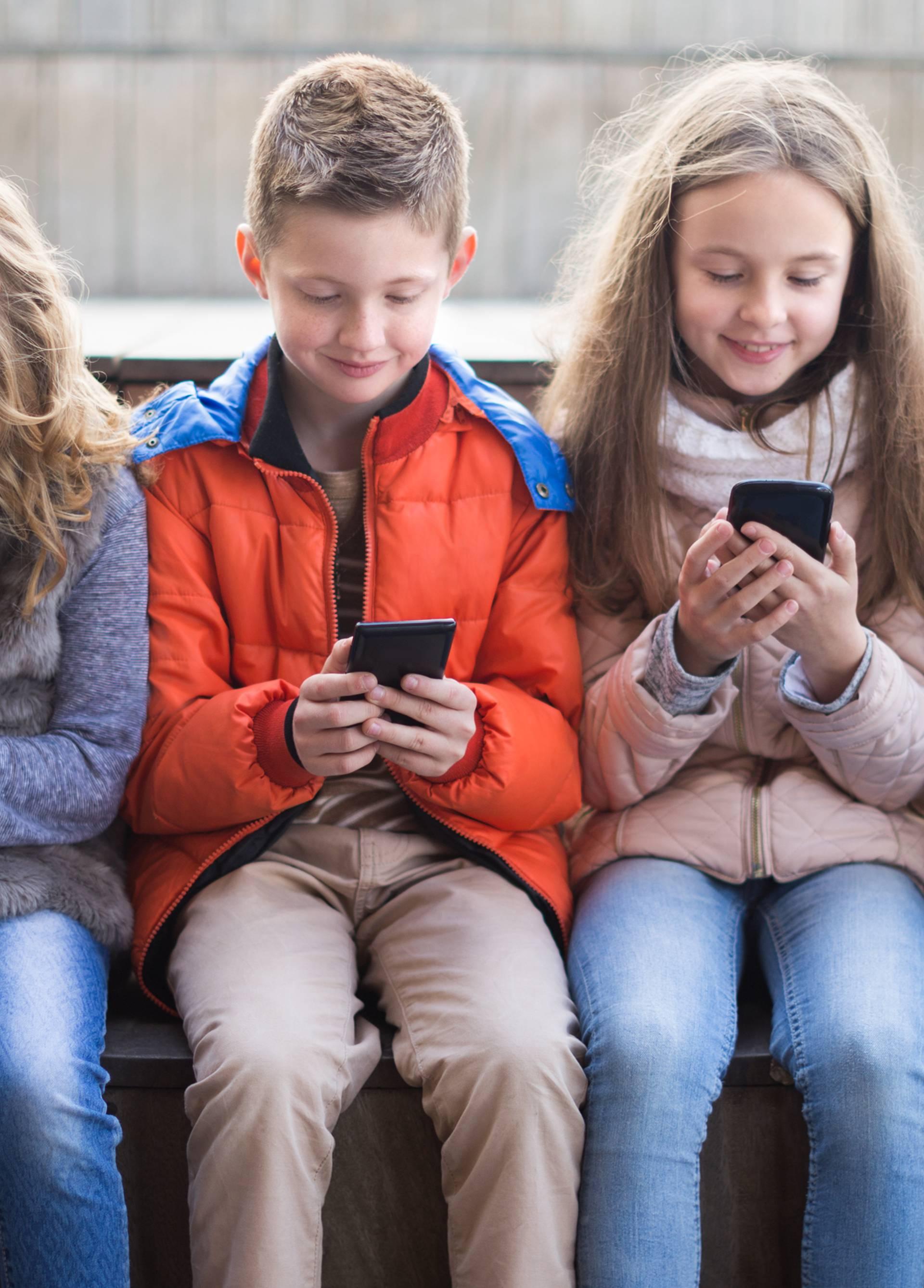 Djeca imaju sve lošije ocjene zbog predugog gledanja ekrana