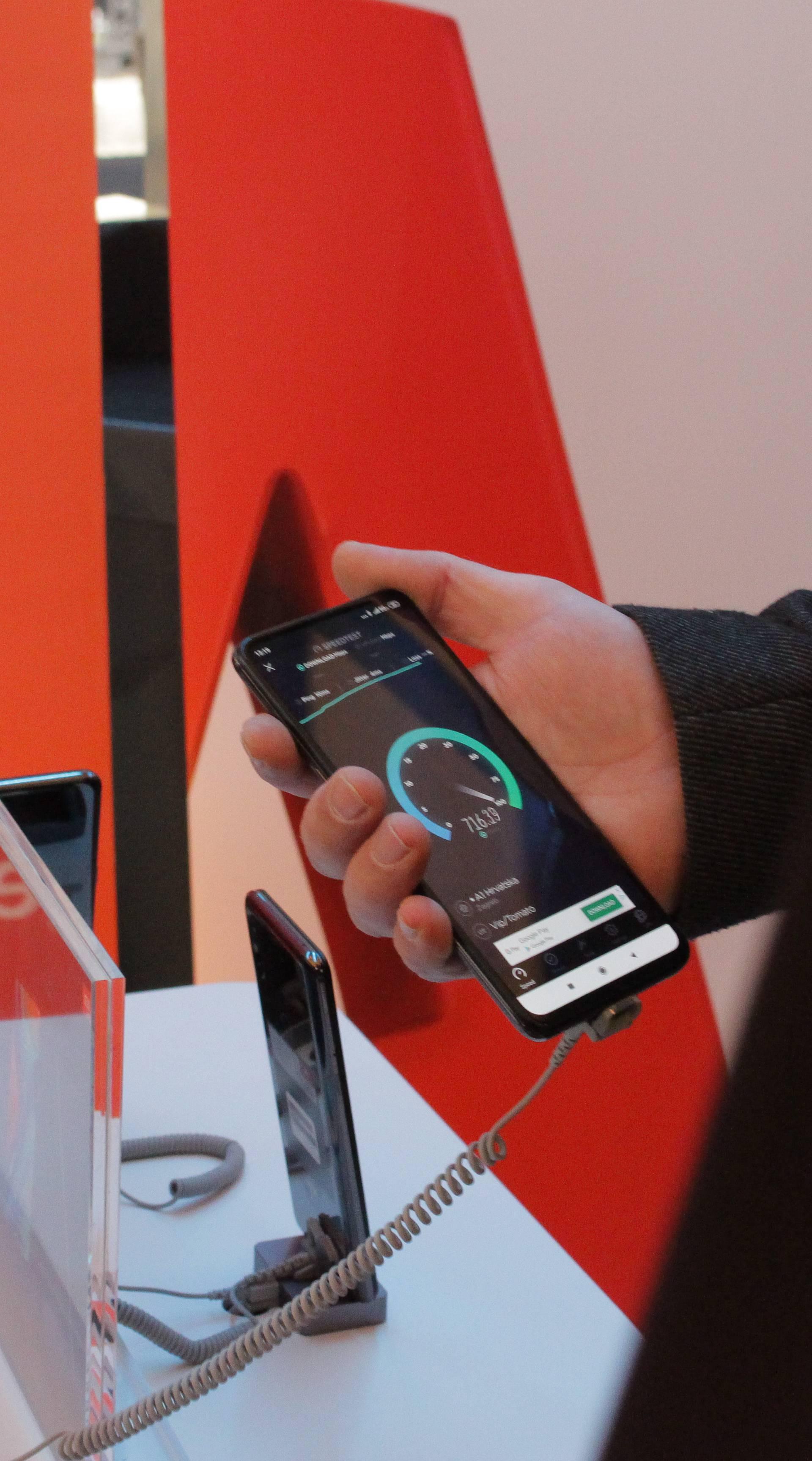 Kako je surfati na 5G: Xiaomi u Zagrebu predstavio Mi Mix 3